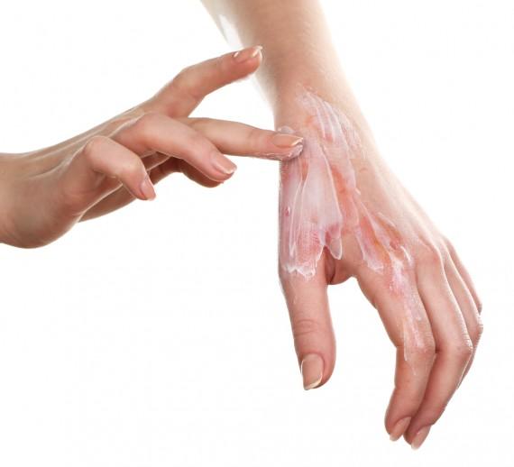【手袋おすすめレビュー】手荒れ改善!夜ハンドクリーム塗った後に保湿して寝てみた!