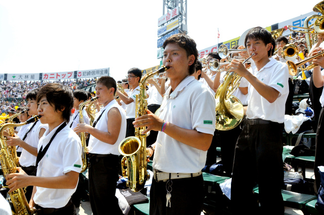 「アゲアゲホイホイ」が広まった真実!甲子園で新風が巻き起こったセンバツ応援に「恋」も抜擢!
