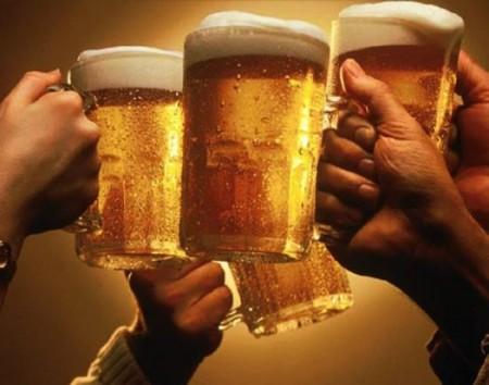 日本で飲み放題禁止に!?酒類広告規制の動きも!金額も値上げされる可能性あり。。。
