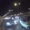 高速道路を逆走する危険なバイク!その理由は自殺を止めるためだった!?